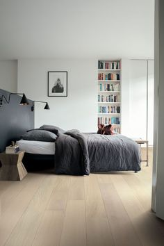Modern Bedroom Flooring - Are you looking for some interior enhancement ideas for home? There is no doubt that house is a totally important place. Real Wood Floors, White Oak Floors, Hardwood Floors, Oak Flooring, White Flooring, Rubber Flooring, Flooring Ideas, Interior Design Living Room, Living Room Decor