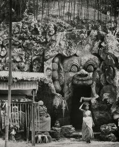 Cremation Scenes, Indonesia, Bali, 1930 by E.O.Hoppé