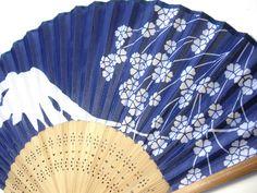 Folding fan – Mt Fuji and Cherry blossom by raycious, via Flickr
