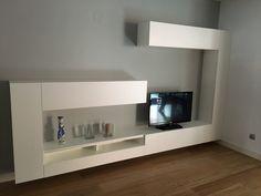 Mueble de salón blanco Flat Screen, Living Room White, Modern Lounge, Lounges, Yurts, Houses, Blood Plasma, Flatscreen, Dish Display
