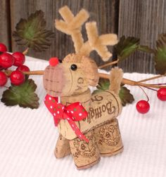 Wine cork reindeer ( Rudolph ) / Rudolf rénszarvas parafadugóból / Mindy - craft tutorial collection