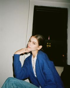 Image about fashion in K.G by molly meow on We Heart It - Shared by ✘ j u l i e ✘. Find images and videos about fashion, model and kaia gerber on We Heart It – the app to get lost in what you love. Source by amaliaanhalt - Kaia And Presley Gerber, Pretty People, Beautiful People, Kaia Jordan Gerber, Insta Photo Ideas, Foto Pose, Aesthetic Girl, Look Cool, Film Photography