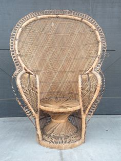 Gorgeous Vintage, Fan Back, Rattan, Peacock Chair. Big And Beautiful. Great
