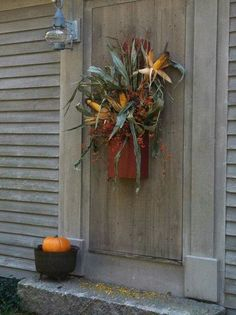 Our front door for the fall. Bittersweet and corn husks in a beautiful box my son Primitive Autumn, Primitive Decor, Primitive Christmas, Autumn Decorating, Porch Decorating, Primitive Fall Decorating, Decorating Ideas, Fall Wreaths, Rustic Wreaths