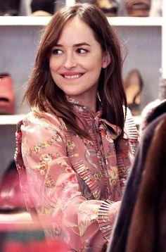 Dakota Johnson shopping in Milan - 21 Sep 2016