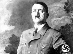 Kuvassa on Aadolf Hitler hän on syyllinen juutalaisten vainoihin.