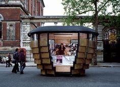 Kiosque à journaux parois dégradées et coulissantes