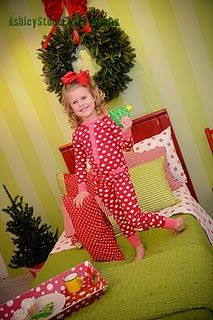 Christmas set i styled for Ashley Stone Photography Christmas Mini Sessions, Christmas Minis, Christmas Pictures, Christmas And New Year, All Things Christmas, Christmas Ideas, Photography Backdrops, Photography Ideas, Photo Backdrops