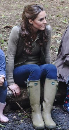 """At a campfire with """"Expanding Horizons"""" Primary School camp - dressed down, she still looks like a million bucks:)"""