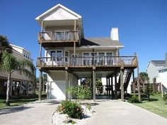 """""""Somewhere+in+the+Sun""""+Beach+HomeVacation Rental in Galveston from @HomeAway! #vacation #rental #travel #homeaway"""