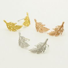Feather Stud Earrings / feather cartilage studs, leaf earrings, boho feather earrings, gifts for her / E065