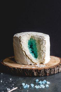 Vanilla Geode Cake
