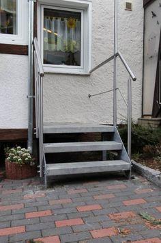 Treppengeländer aus Edelstahl mit einem Relingstab