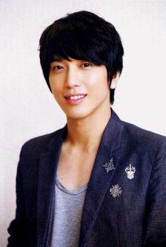 Jung Yong Hwa- me thinks he's Kim Hyun Joong twin (my opinion)...luv his acting on Korean drama You're Beautiful
