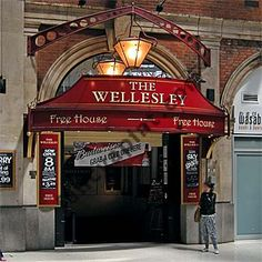 The Wellesley, Waterloo station. When I first had a drink in here it was a right hole, but was perfect for a swift one before getting on the train to finish the night in Guildford. Now it's been renovated and is actually decent