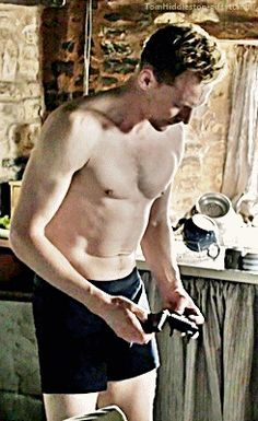 <3TOMG<3 in The Night Manager