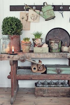 Amazing Shed Plans - Mens vi venter. - Now You Can Build ANY Shed In A Weekend Even If You've Zero Woodworking Experience! Start building amazing sheds the easier way with a collection of shed plans! Vintage Garden Decor, Diy Garden Decor, Vintage Gardening, Garden Ideas, Garden Projects, Vibeke Design, Building A Shed, Building Plans, Garden Shop