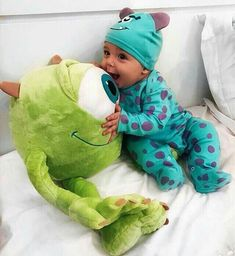 Cute Little Baby, Baby Kind, Little Babies, Cute Babies, Small Baby, The Babys, Baby Boys, Baby Boy Toys, Kids Girls