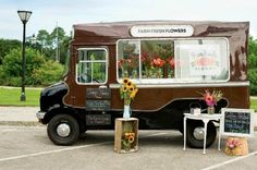 NOM? Roadside Blooms, Charleston Flower Shop on wheels visits farmers markets with their fresh from the farm flowers.