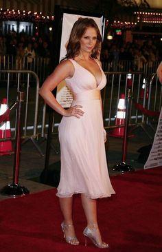 Jennifer Love Hewitt - Most Beautiful Girls Beautiful Celebrities, Beautiful Actresses, Gorgeous Women, Hot Actresses, Sexy Older Women, Sexy Women, Hollywood, Jennifer Love Hewitt Body, Jeniffer Love