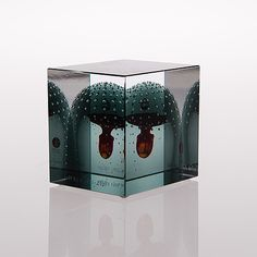 OIVA TOIKKA, JUHLAKUUTIO, IITTALA 1881-2001, signeerattu Oiva Toikka, Nuutajärvi 2001 49/120. Glass Cube, Glass Art, Finland, Scandinavian, Objects, Creatures, Birds, Sculpture, Antiques