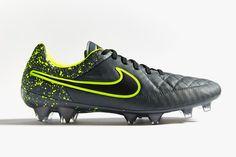 """Nike Tiempo Legend V """"Electro Flare"""""""