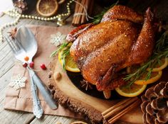 How To Spatchcock Your Turkey - Simplemost Baked Turkey, Mulled Wine, Roast Chicken, Thanksgiving Turkey, Cooking Tips, Lemon, Baking, Dinner, Christmas