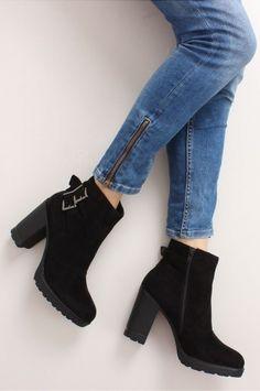 893861f5e6611 Klasyczne botki z klamrą. Cute Shoes, Pajamas, Ankle, Booty, Street Style
