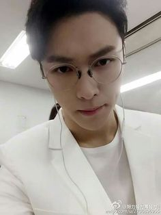 #lay #exo# zhangyixing