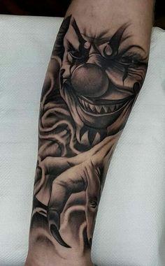 Evil Clown Tattoos, Scary Tattoos, Cool Tattoos For Guys, Realistic Tattoo Sleeve, Full Sleeve Tattoos, Tattoo Sleeve Designs, Side Hand Tattoos, Leg Tattoos, Body Art Tattoos