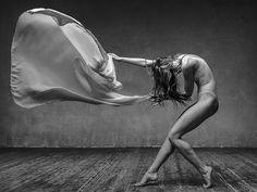 Alexander Yakovlev dancing flour photography19