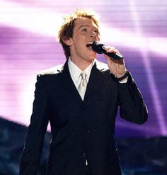 "Clay Aiken sings ""Bridge Over Troubled Water"" on American Idol 2013 Top 5 Results"