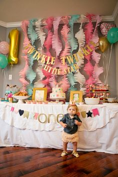 Eloise's Twinkle Twinkle Little Star 1st Birthday Party! | VeryRosenberry.com