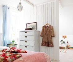 White and pink bedroom. My Home Design, House Design, White Gray Bedroom, My Ideal Home, Pink Bedrooms, Dresser As Nightstand, Home Fashion, Best Interior, Home Goods
