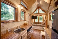 Located on Fidalgo Island, near La Conner, WA, is this 20-foot tiny house getaway. It's a little more than an hour drive from Seattle. It stands below majestic evergreen fur trees and the sweet crisp smell of ocean air permeates the place. Nearby you'll find the natural beauty mountains, rivers, wildlife, and farms of Hidalgo …