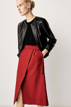 Women´s Skirts at Massimo Dutti online. Enter now and view our spring summer 2017 Skirts collection. Fashion Line, Love Fashion, Autumn Fashion, Office Outfits, Casual Outfits, Fashion Outfits, Cos Dresses, Red Skirts, Looks Cool