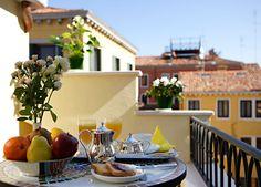 Gallery - Hotel Capri