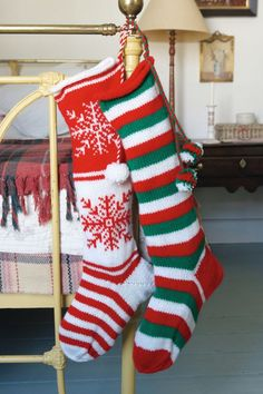 How to Knit a Christmas Stocking.  Christmas or Leicester Tigers!!!!!!!  :)