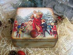 Christmas Love, Christmas Balls, Diy Christmas Gifts, Christmas Projects, Christmas Ornaments, Decoupage Box, Decoupage Vintage, Christmas Decoupage, Country Paintings