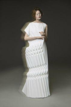 central_saint_martins_csm_students_fashion_ba_2013_final_show_ yuki hagino 1007 Origami Fashion Dress