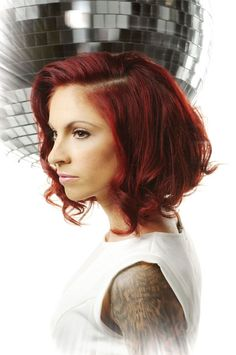 great cut and style, if I were to go short again I'd like this since my hair is naturally wavy.