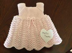 Videolu Örgü Gelin Tacı Çocuk Elbisesi Örneği - Mimuu.com Crochet Baby Dress Pattern, Shrug Pattern, Baby Dress Patterns, Baby Knitting Patterns, Knit Crochet, Crochet Hats, Girls Knitted Dress, Knit Baby Dress, Labor