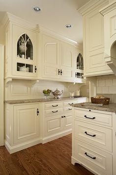 White Kitchen - Home Bunch - An Interior Design & Luxury Homes Blog