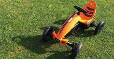 Der Traum vom eigenen Gefährt - Wir testen das BERG Rally Orange Pedal - Gokart      Das BERG Rally Orange Pedal- Gokart      Viele Männer ...