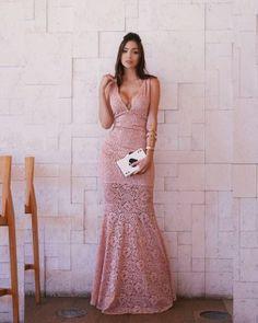 01c8171421 Vestido Longo Sereia em Renda e Decote em V com Tule (cor Rosé) -