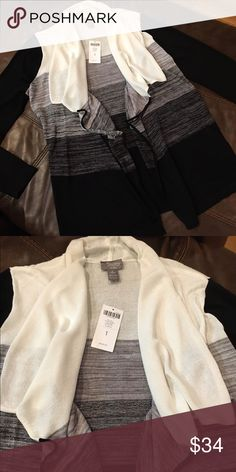 Chico's Travelers Collection Cardigan Sweater Ombre black/ecru. Size 1(Medium). Made of rayon and nylon. Chico's Sweaters Cardigans