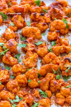 Buffalo Cauliflower Bites *Video Recipe* - Flavor Quotient - - Go meatless with these crazy Buffalo cauliflower bites! They are not only much healthier, but also insanely delicious and childishly easy to make! Whole Foods, Whole Food Recipes, Cooking Recipes, Health Food Recipes, Colliflower Recipes, Veggie Dishes, Vegetable Recipes, Vegetable Snacks, Veggie Food