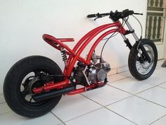 Este é meu segundo projeto de moto, o design, medidas e quadro foi desenhado a partir do motor de 125cc horizontal. A próxima etapa é a soldagemdefinitivado quadro e alguns detalhes para posterio…