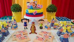 Lindo bolo @joaoemariabrigadeiros  Hoje o dia foi de festa para Ana Clara. Festa no Berçário. #cellyfestas #festainfantil #festanaescola  #kitfesta #festadaluna #showdaluna