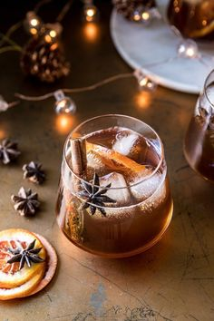 Vanilla Chai Old Fashioned. Cozying up with this Vanilla Chai Old Fashioned. Homemade spiced chai simple syrup, mixed with warming bourbon, winter citrus, a touch of va Winter Cocktails, Bourbon Cocktails, Christmas Cocktails, Cocktail Drinks, Cocktail Recipes, Alcoholic Drinks, Beverages, Popular Cocktails, Pina Colada